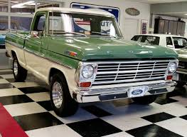 1969 Ford F100 CUSTOM CAB. Loving The Two-tone; Want In Pale ...