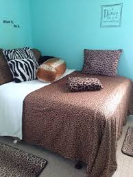Zebra Decor For Bedroom by 10 Best Makaylas Room Ideas Images On Pinterest 15 Years