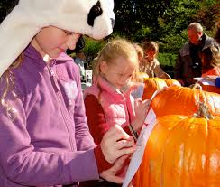 Spirit Halloween Fairfield Ct by Jack O U0027lanterns To Go Carving Out Halloween Fun At St Paul U0027s