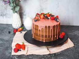 schoko törtchen mit erdbeer creme loui bakery
