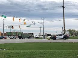 100 Garbage Truck Tab UPDATE Area Open After Garbage Truck Takes Out Traffic Lights At