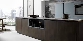 klare kante glas und stahl in der küche wohnparc de