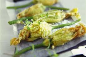 cuisiner fleur de courgette beignets de fleurs de courgette farcies