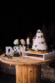 4 Wedding Cake And Drink Pairing Ideas That Will Make You Ridiculously Hungry Rustic TablesWedding