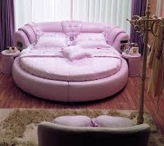 betten runde maedchen pink design leder parkett vorhaenge