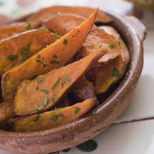 cuisiner rutabaga recette frites de rutabaga et patates douces cuisine madame figaro