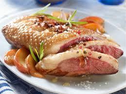 les recettes de la cuisine magrets aux pêches de philippe etchebest recettes cuisine foods