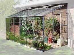 zoom sur les serres de jardin entretenez et embellissez votre
