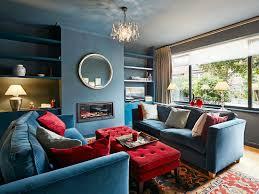 wohnzimmer im britischen stil in blau bild kaufen