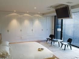 support tv au plafond tous nos conseils pour bien installer votre tv décoration