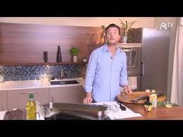 comment cuisiner un saumon entier recette de cuisine saumon entier poché aux légumes sauce