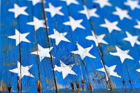 DIY Rustic American Flag Painting From Drying Wood Pallet Via Liblueboo