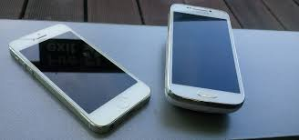 iPhone or Samsung iPhone vs Samsung smartphones Tech Advisor