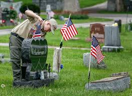 Memorial Day Graveside Decorations by On This Day Veterans Want Your Memorials To Have Meaning The Blade