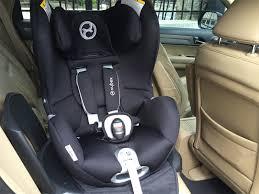 peut on mettre 3 siege auto dans une voiture de cybex le parfait siège auto de bébé poulette
