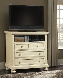 Vaughan Bassett Triple Dresser by 530 226 Vaughan Bassett Furniture Reflections Night Stand 2