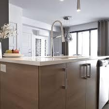 comptoir de cuisine quartz blanc les 25 meilleures idées de la catégorie comptoir de quartz sur