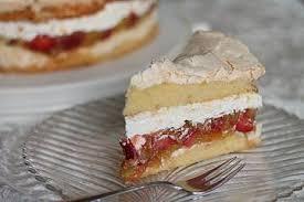 rhabarber erdbeer torte mit baiser
