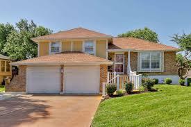 100 Homes In Kansas City 1711 E 60th St MO 3 Bed 2 Bath Single