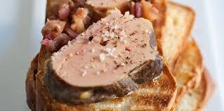 cuisiner un foie gras cru foie gras cru fumé aux épices recette sur cuisine actuelle