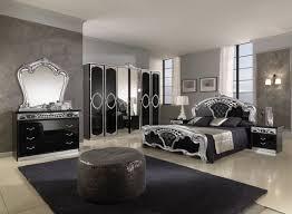 wohnideen für schlafzimmer luxus schwarz silber dekoelemente