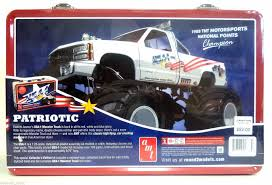 AMT 740 Usa-1 4x4 Monster Truck Model Kit And Lunchbox Tin | EBay 125 Amt Usa1 Monster Truck Richards Modelling World Kyosho Nitro Crusher 1794974181 Johnny Lightning Trucks Whosale Pre Orders By Case Begin How To Transport A Full Tilt Expo Trade Show Logistics Truck Photo Album Snap News 4x4 Official Site Nqd 110 Racing Rock Crawler Remote Control Toys Ebay Returnsto Jam All About Horse Power Micro Chevy Rccrawler