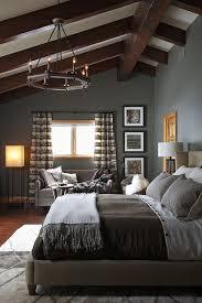 Bedroom Ceiling Ideas Pinterest by Best 25 Vaulted Ceiling Bedroom Ideas On Pinterest Beamed