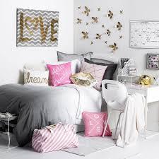 chambres fille chambre ado fille blanche avec une déco murale en fleurs 3d dorées