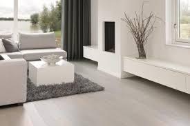 wohnzimmer farbe wand und laminat weißer laminatboden