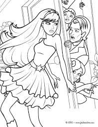 BARBIE Dibujos Animados Barbie Para Colorear Ropa Para El PARTIDO