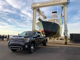 100 Super Duty Truck Its A War Detroit Automakers Battle Wildly Profitable Truck Market