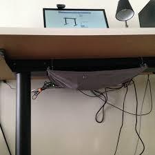 fixation pc sous bureau retour d expérience bureau assis debout linuxfr org