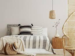 minimalistischer luxus im schlafzimmer schrankwerk