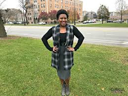 How To Wear Wool Plaid And A Pencil Skirt For Winter Look