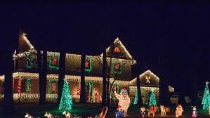 Alameda Christmas Tree Lane 2015 by The Best Neighborhoods To See Holiday Lights In 2014 Via Redfin