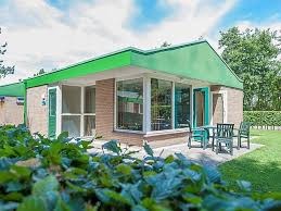alleinstehendes ferienhaus einstöckiger bungalow abgelegen renesse und strand 3 km zeeland für 4 personen niederlande