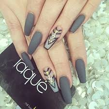40 Attractive Gray Nail Designs