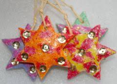 bricolage noël décoration de noël en pâte à sel étoiles