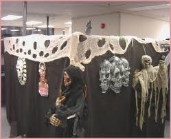 halloween cubicle decorating contest photo album office halloween