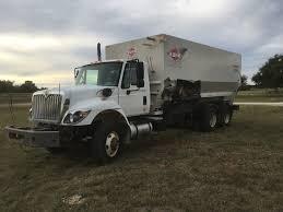 100 Feed Truck 2011 International