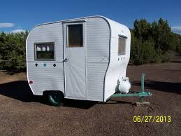 1960 Field Stream Vintage Travel Trailer Smaller Than Canned Ham 10 Ft Total