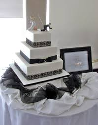 Elegant Black And White 3 Tier Wedding Cake
