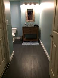how to determine the direction to install my laminate flooring