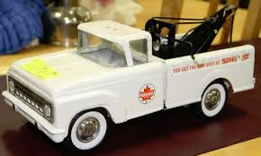 100 Tow Truck Edmonton VINTAGE BUDDY LIL BEAVER SUPERTEST TOW TRUCK