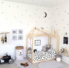 deco chambre petit garcon chambre enfant look noir blanc deco scandinave nordique