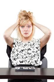 vetement de bureau femme dans le vêtement d affaires très fâché et bouleversé