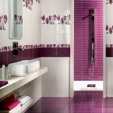 salle de bain mauve carrelage violet