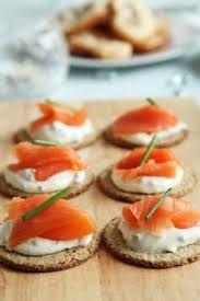 canapés saumon fumé canapés au saumon fumé recettes de cuisine française