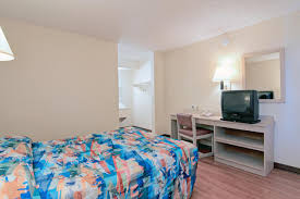 Asu West Help Desk by Motel 6 Phoenix Tempe Az Booking Com