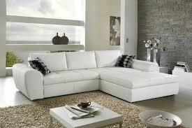 comment nettoyer canapé en tissu comment entretenir un canapé blanc la maison du convertible